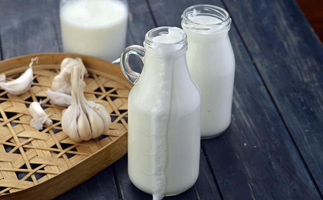 rcp-ayran-turkish-yoghurt-drink-lebanese-curd-drink-102-1496921402243-39-0-442-650-crop-1496921409222