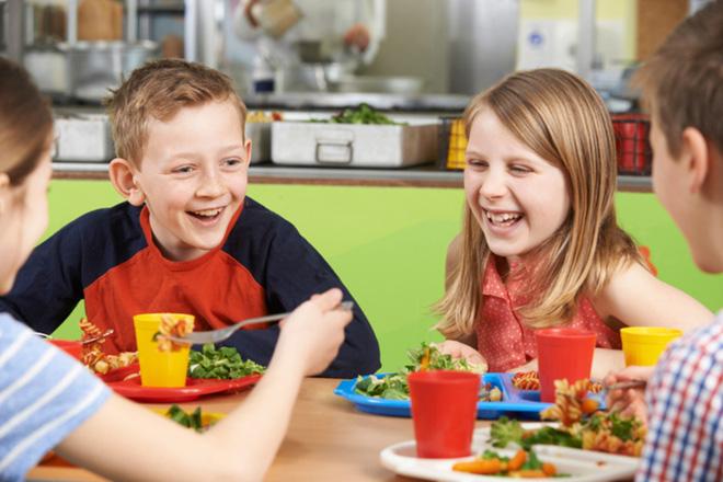 school-lunch-1473867735392